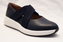 Clarks Un Rio Cross Navy Leather