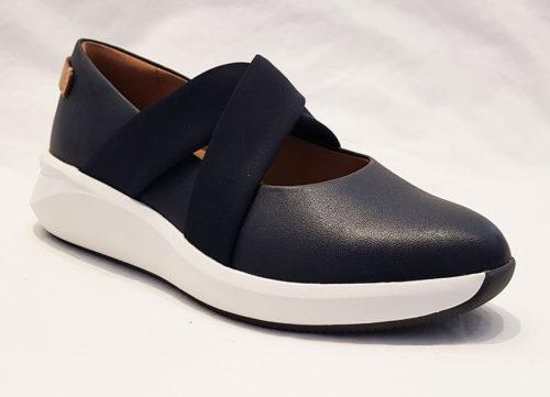 Clarks Un Rio Cross Navy Leather